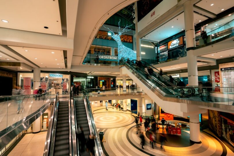 What are the Different Positive Points of a Shopping Mall